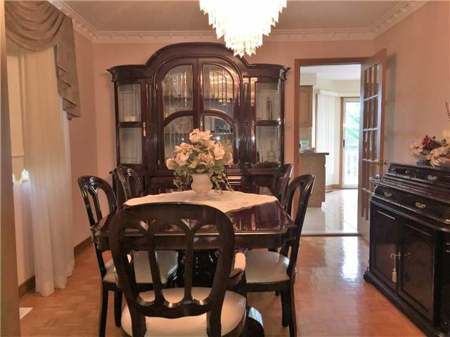 Detached at 22 Looking Glass Cres, Vaughan, Ontario. Image 16