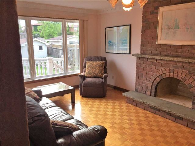 Detached at 22 Looking Glass Cres, Vaughan, Ontario. Image 17