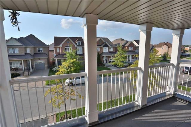 Detached at 38 Trish Dr, Richmond Hill, Ontario. Image 8