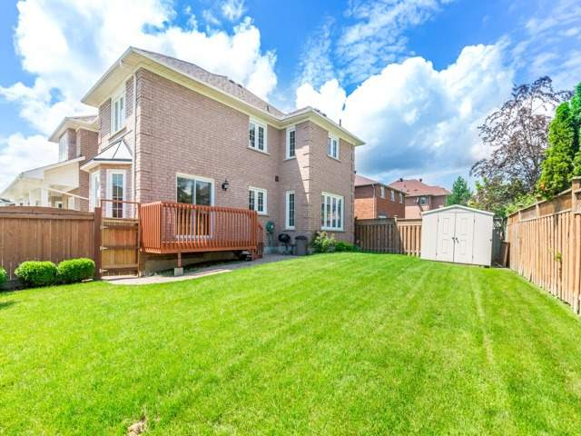 Detached at 18 Sparta Crt, Markham, Ontario. Image 13