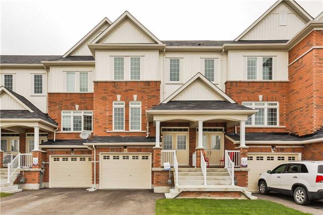 Townhouse at 141 Taucar Gate, Bradford West Gwillimbury, Ontario. Image 1