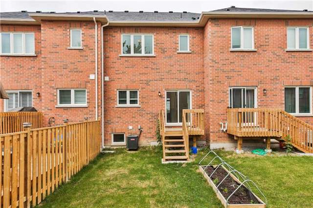 Townhouse at 141 Taucar Gate, Bradford West Gwillimbury, Ontario. Image 16