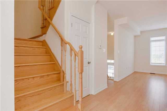Townhouse at 141 Taucar Gate, Bradford West Gwillimbury, Ontario. Image 2