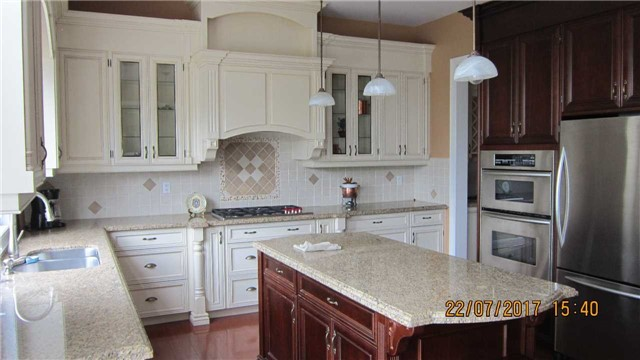 Detached at 101 Country Club Dr, King, Ontario. Image 13