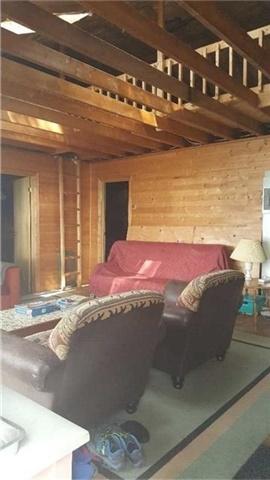Cottage at Lot 58 Snake Island, Georgina Islands, Ontario. Image 3