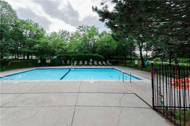 Condo Apartment at 7250 Yonge St, Unit 1701, Vaughan, Ontario. Image 10