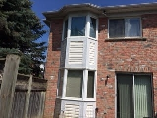 Condo Townhouse at 81 Northern Heights Dr, Unit 25, Richmond Hill, Ontario. Image 14