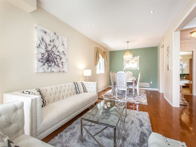 Detached at 66 Eagle Peak Dr, Richmond Hill, Ontario. Image 15