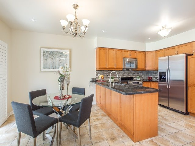 Detached at 66 Eagle Peak Dr, Richmond Hill, Ontario. Image 18
