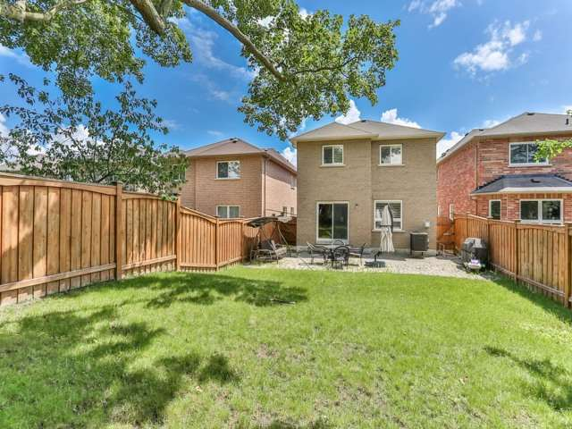Detached at 66 Eagle Peak Dr, Richmond Hill, Ontario. Image 13