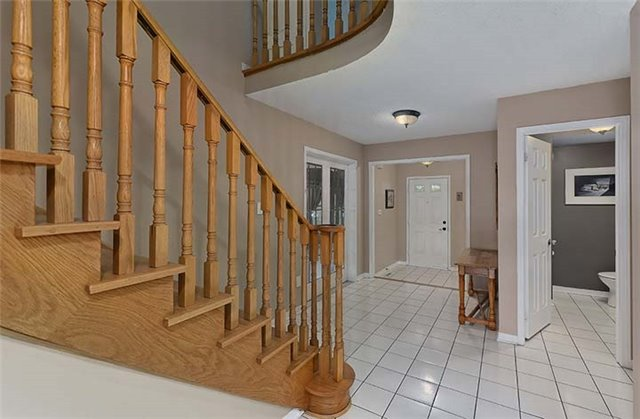 Detached at 782 Firth Crt, Newmarket, Ontario. Image 15