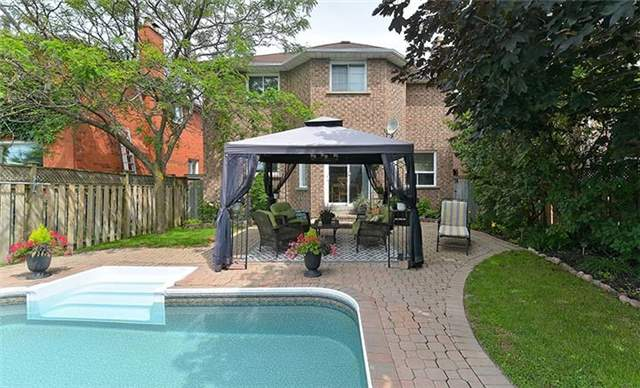 Detached at 782 Firth Crt, Newmarket, Ontario. Image 10