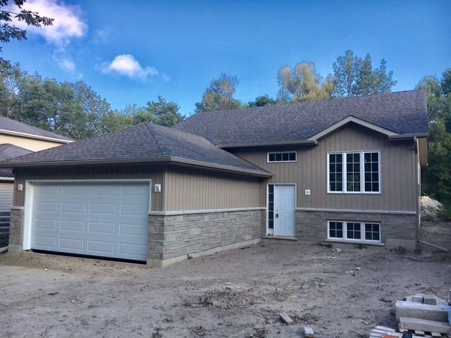 Detached at 46 Evelyn Ave, Georgina, Ontario. Image 1