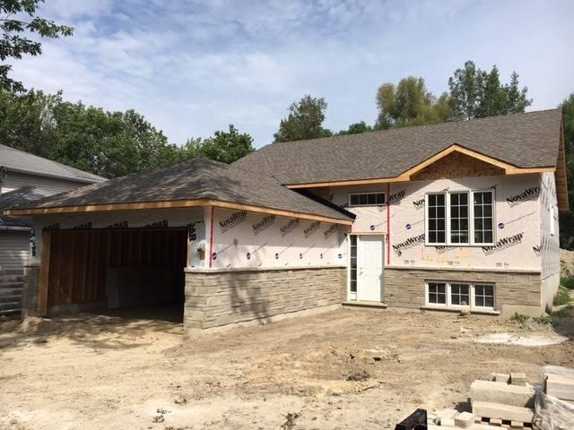 Detached at 46 Evelyn Ave, Georgina, Ontario. Image 2