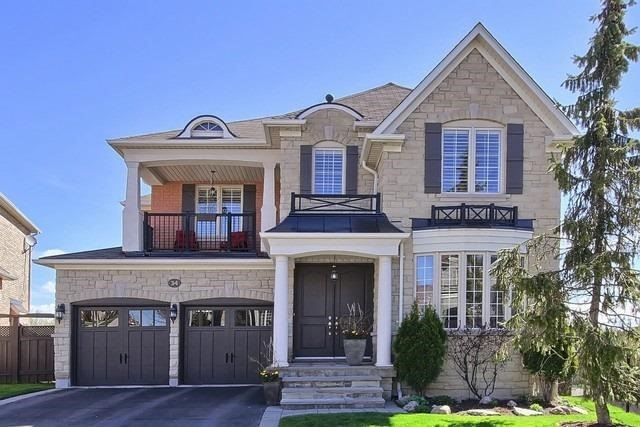 Detached at 34 Selleck Dr, Richmond Hill, Ontario. Image 1