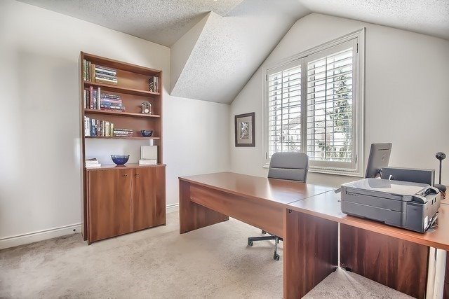 Detached at 34 Selleck Dr, Richmond Hill, Ontario. Image 7