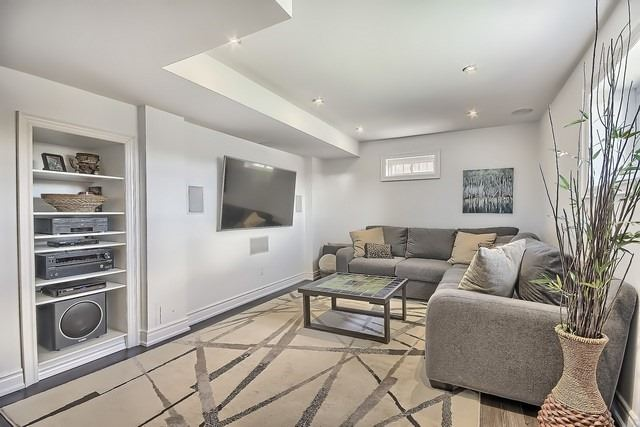Detached at 34 Selleck Dr, Richmond Hill, Ontario. Image 13