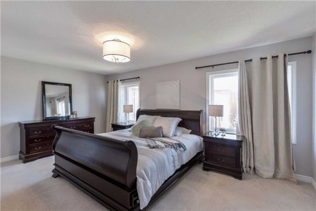 Detached at 50 Braith Cres, Whitchurch-Stouffville, Ontario. Image 2