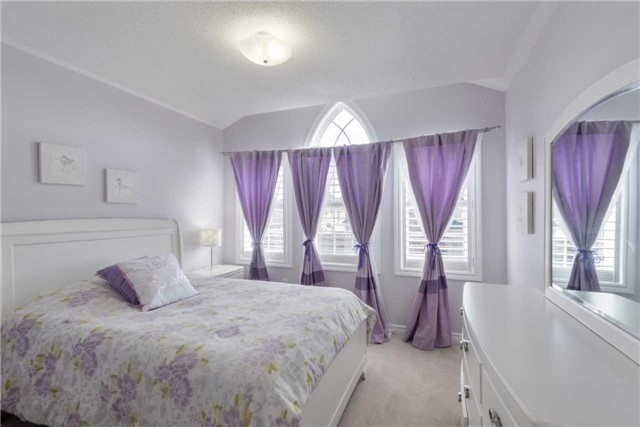 Detached at 50 Braith Cres, Whitchurch-Stouffville, Ontario. Image 4