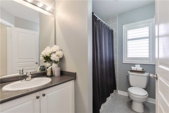 Detached at 50 Braith Cres, Whitchurch-Stouffville, Ontario. Image 5