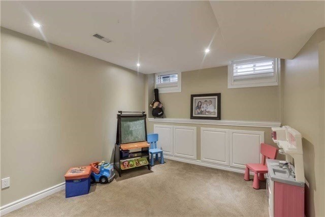 Detached at 50 Braith Cres, Whitchurch-Stouffville, Ontario. Image 6
