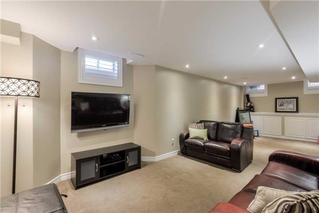 Detached at 50 Braith Cres, Whitchurch-Stouffville, Ontario. Image 7