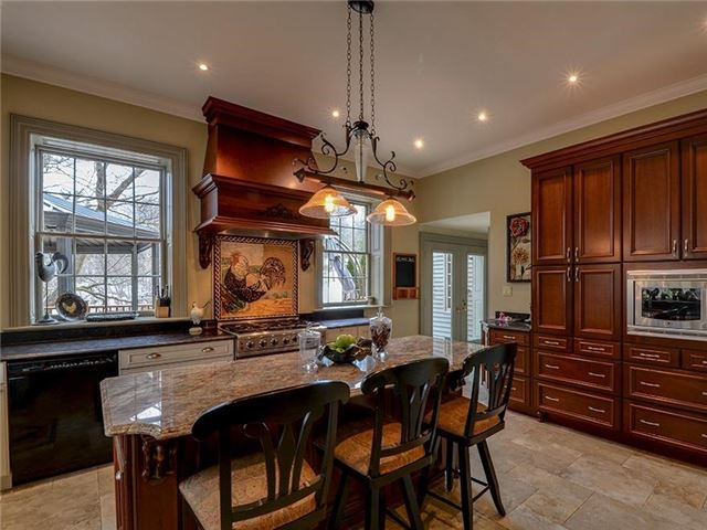 Detached at 16 Forfardale Rd, Whitchurch-Stouffville, Ontario. Image 20