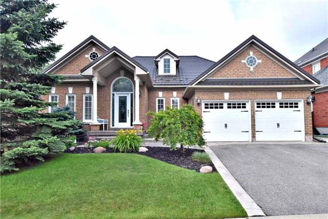 Detached at 804 Foxcroft Blvd, Newmarket, Ontario. Image 1