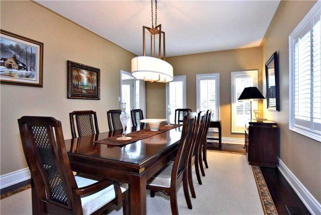 Detached at 804 Foxcroft Blvd, Newmarket, Ontario. Image 12