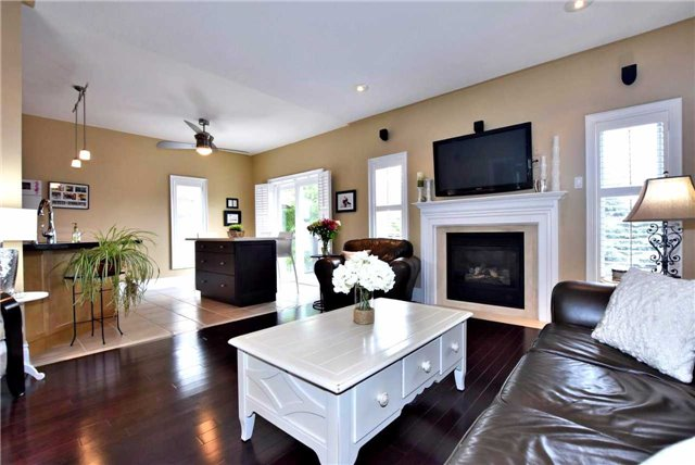Detached at 804 Foxcroft Blvd, Newmarket, Ontario. Image 14