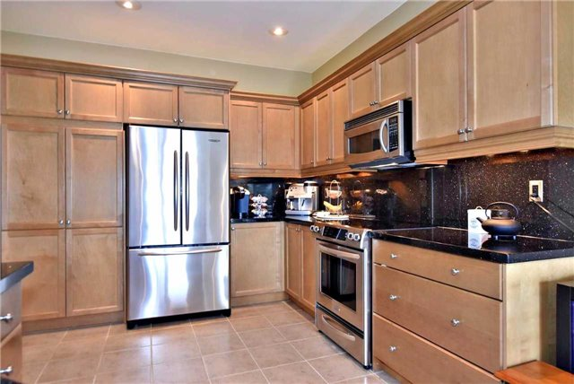 Detached at 804 Foxcroft Blvd, Newmarket, Ontario. Image 16