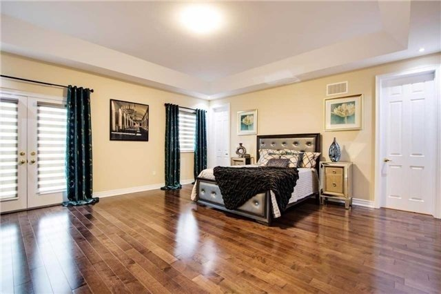 Detached at 190 Gar Lehman Ave, Whitchurch-Stouffville, Ontario. Image 2