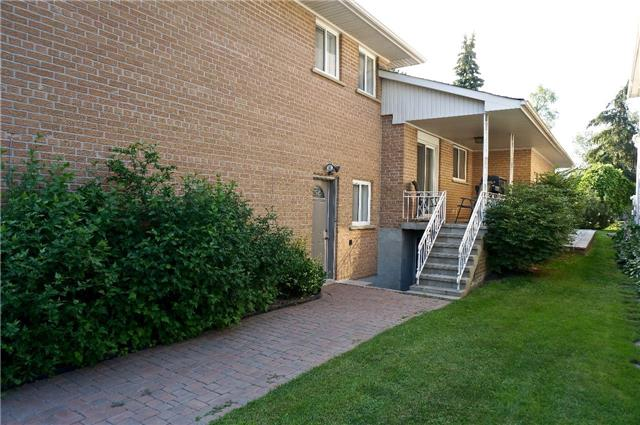 Detached at 255 Oxford St, Richmond Hill, Ontario. Image 13