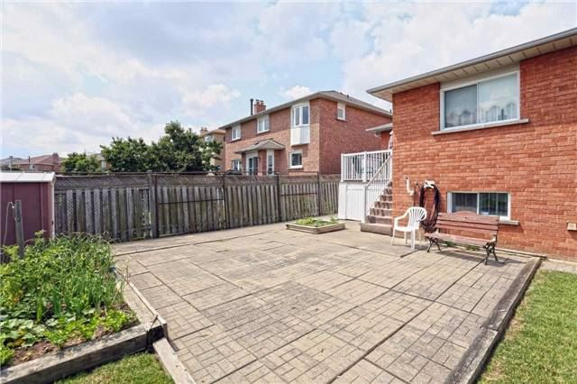 Detached at 1 Mapes Ave, Vaughan, Ontario. Image 10