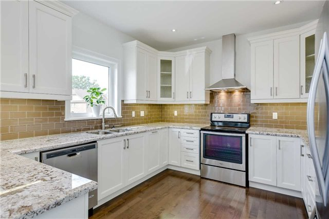 Detached at 1435 Gilford Rd, Innisfil, Ontario. Image 2