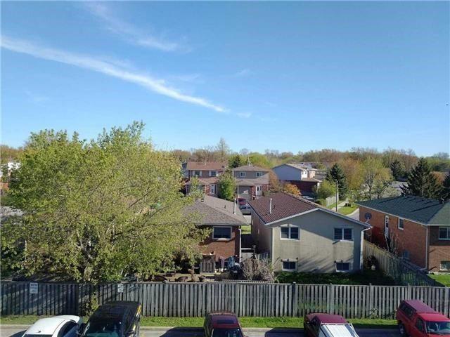 Condo Apartment at 155 Riverglen Dr, Unit 220, Georgina, Ontario. Image 9
