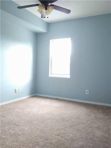 Condo Apartment at 155 Riverglen Dr, Unit 220, Georgina, Ontario. Image 12