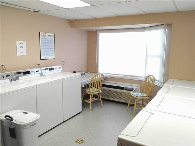 Condo Apartment at 155 Riverglen Dr, Unit 220, Georgina, Ontario. Image 16