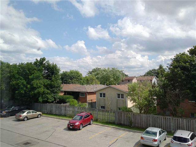 Condo Apartment at 155 Riverglen Dr, Unit 220, Georgina, Ontario. Image 5