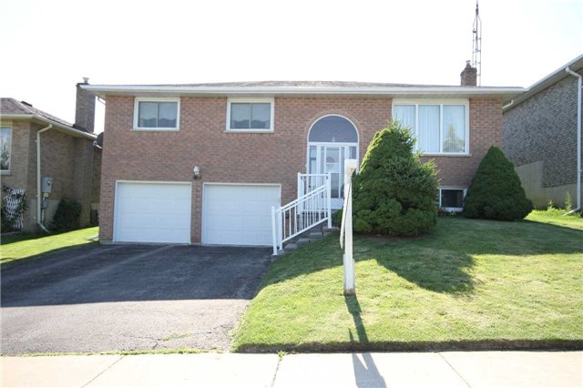 Detached at 140 Melbourne Dr, Bradford West Gwillimbury, Ontario. Image 1