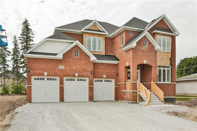 Detached at 1399 Gilford Rd, Innisfil, Ontario. Image 1