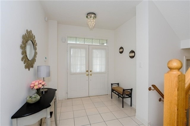 Detached at 71 Eakin Mill Rd, Markham, Ontario. Image 15