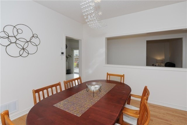 Detached at 71 Eakin Mill Rd, Markham, Ontario. Image 18