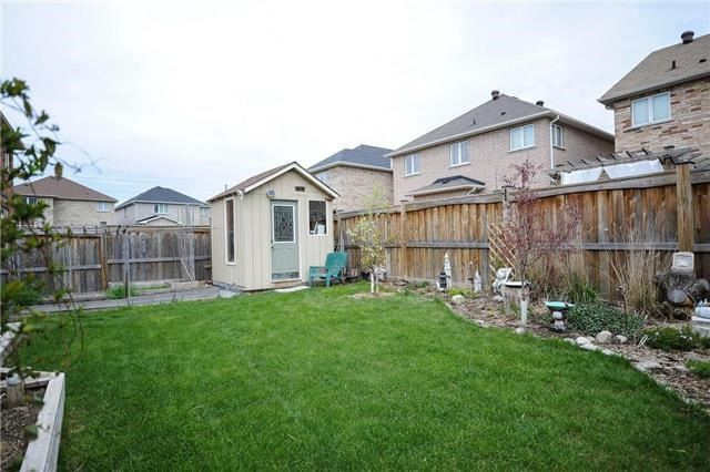 Detached at 71 Eakin Mill Rd, Markham, Ontario. Image 11