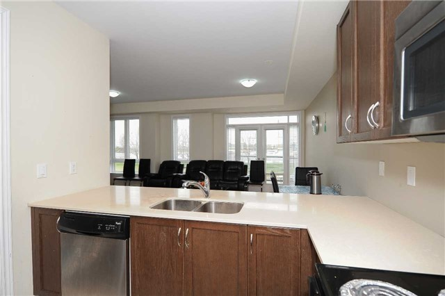 Condo Townhouse at 9601 Jane St, Unit 8, Vaughan, Ontario. Image 15