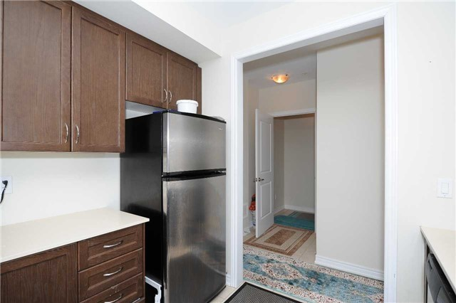 Condo Townhouse at 9601 Jane St, Unit 8, Vaughan, Ontario. Image 16
