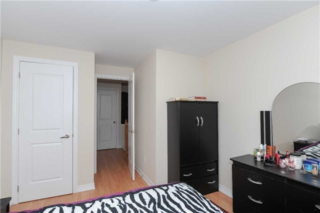 Condo Townhouse at 9601 Jane St, Unit 8, Vaughan, Ontario. Image 5