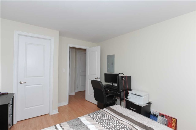 Condo Townhouse at 9601 Jane St, Unit 8, Vaughan, Ontario. Image 10