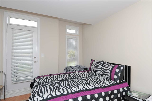 Condo Townhouse at 9601 Jane St, Unit 8, Vaughan, Ontario. Image 13
