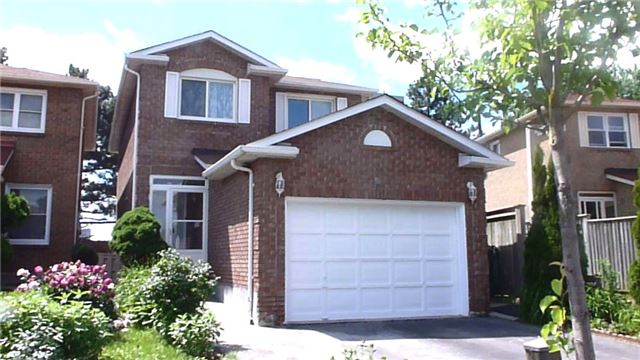 Detached at 60 Whitney Pl, Vaughan, Ontario. Image 1